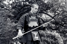Avi Nardia master of the sword in traditional Samurai battle dress